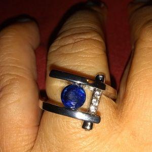 MAGNIFICENT!/  BLUE SAPPHIRE RING SZE 7.